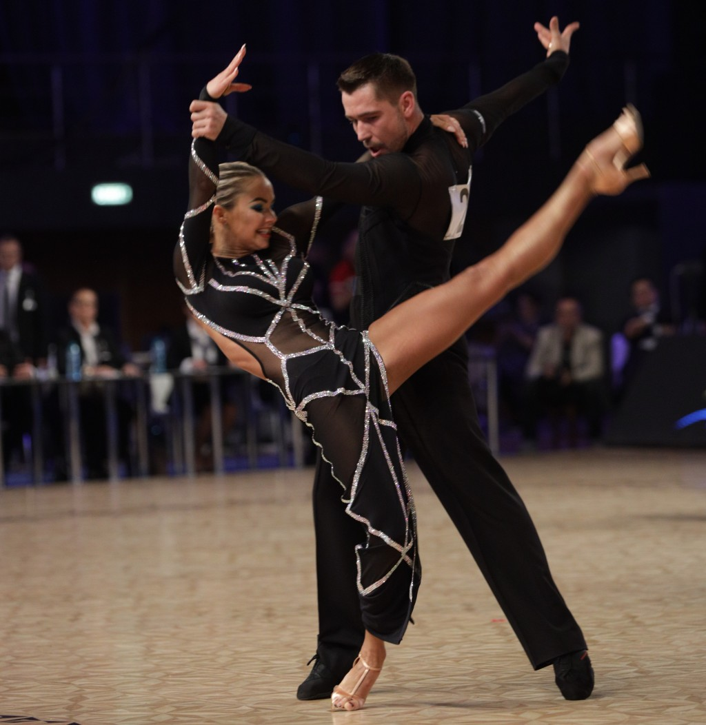 Grand Slam Latino si Standard la DanceMasters 2020: vei dansa din nou in oglinda!