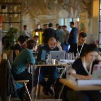 Peste 200 developeri vor fi prezenți la DevHacks, cel mai mare hackathon cu impact asupra societății